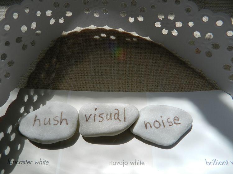 Dresswhitevisual noise 001